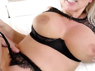 Ample Boobed Housewife Christie Stevens Gets Messy Facial Cumshot After Crazy Slit Pounding