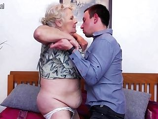 This Big Mama Loves To Fuck And Suck Her Equipment Boy - Maturenl