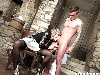 Jizz-thirsty Old Woman Gives A Oral Job To Youthful Jaw-dropping Fellow