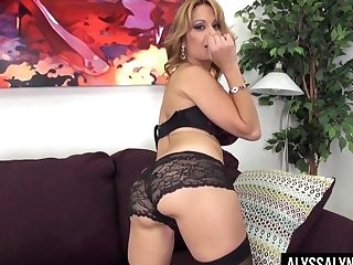Killing Hot Mummy Alyssa Lynn Is Playing With Her Ample Titties And Hump-starved Cunt